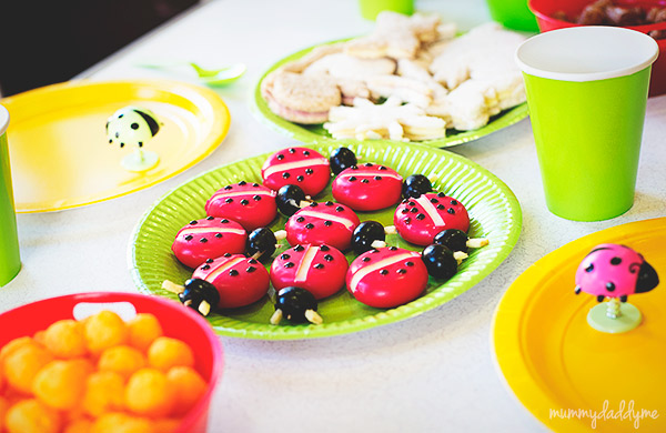A bug themed party 15