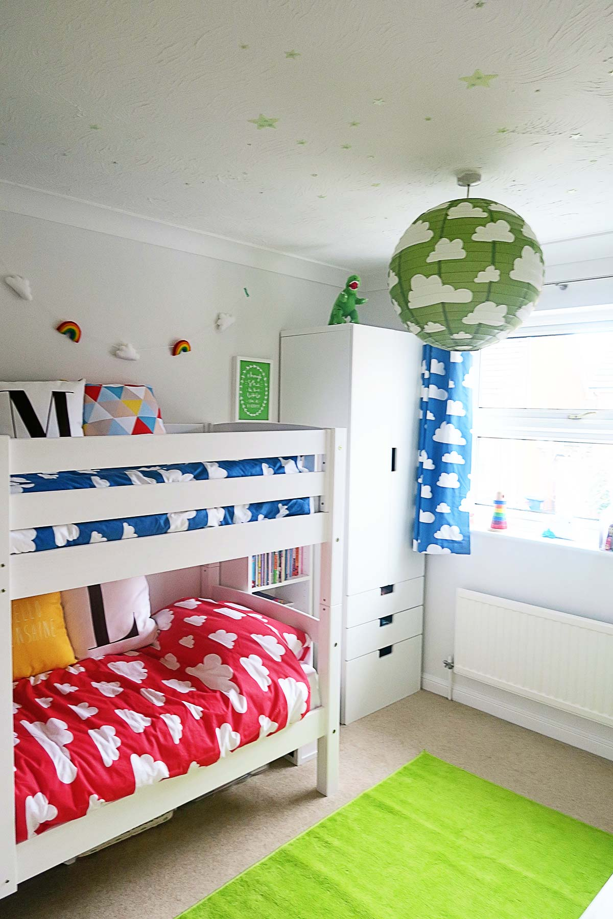 Rainbow bedroom 28