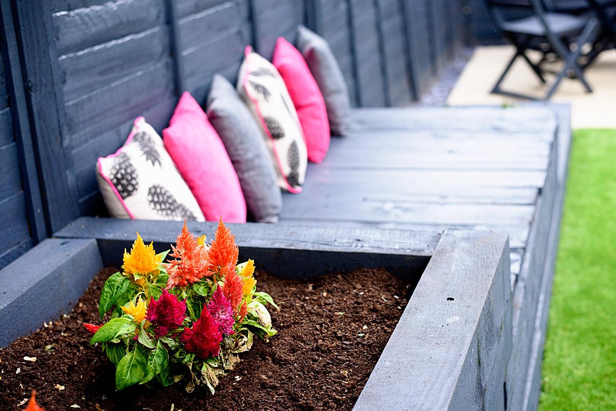 arficial_grass_garden_makeover_8