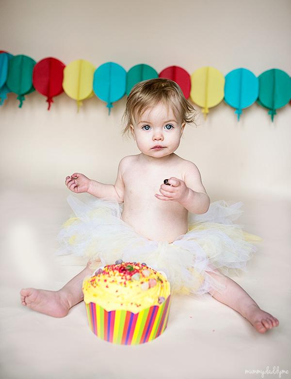 cake smash birthday photo shoot